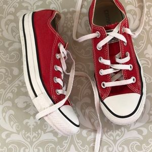 Red Canvas Converse Chucks Size 6